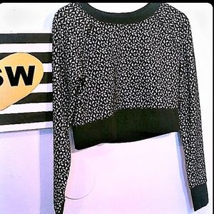 MOSSIMO CROP TOP SWEATER Blk & Wht geometric MED